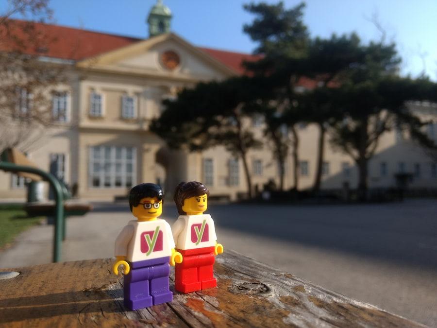 image of Yoast LEGO figures around the world