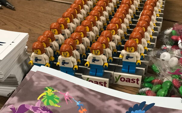 Image of Lego mini figures miss Yoast